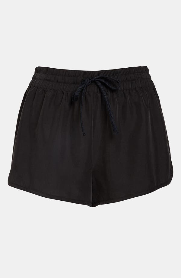 Main Image - Leith Dolphin Hem Shorts