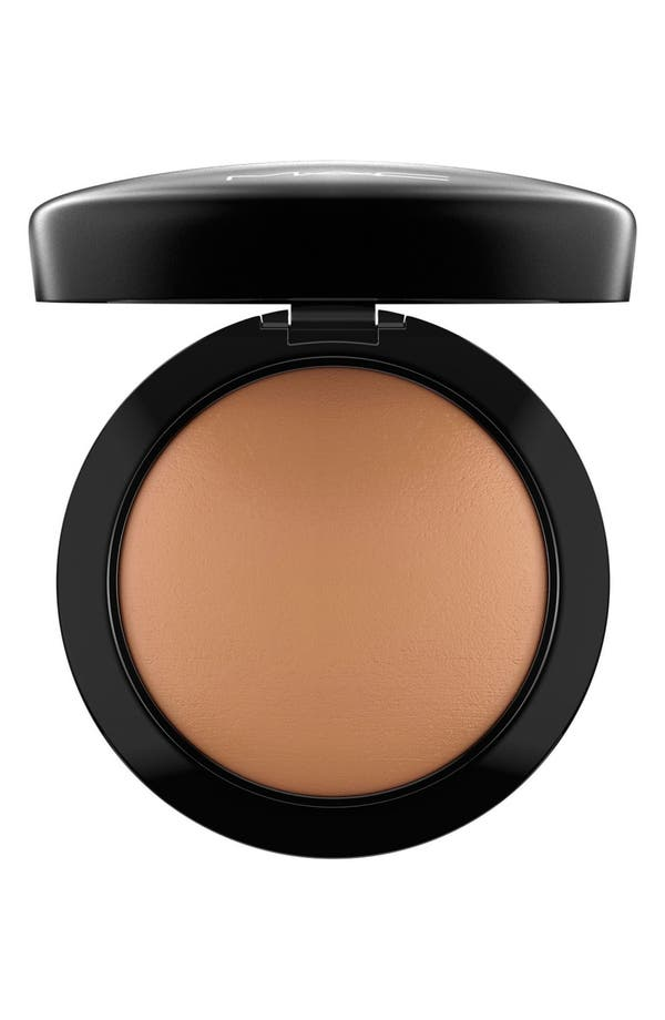 Alternate Image 1 Selected - MAC 'Mineralize' Skinfinish Natural