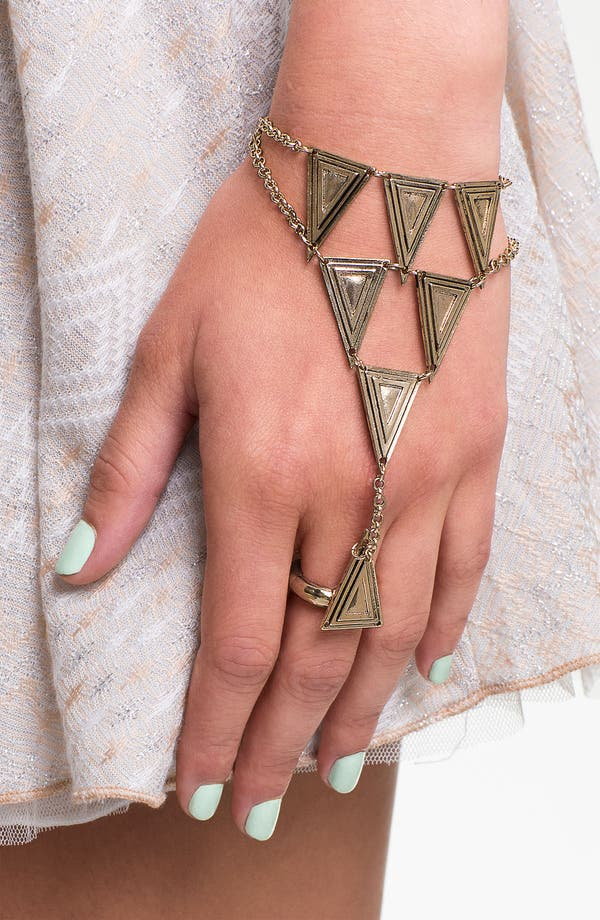 Main Image - BP. Triangle Hand Chain