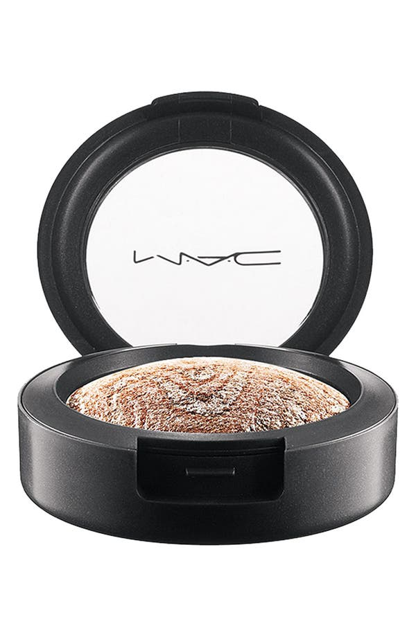 Alternate Image 1 Selected - M·A·C 'Après Chic' Mineralize Eyeshadow