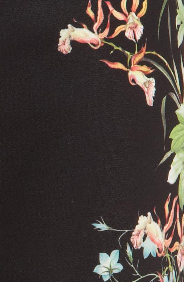 Alternate Image 4  - Mural Flower Print Shorts
