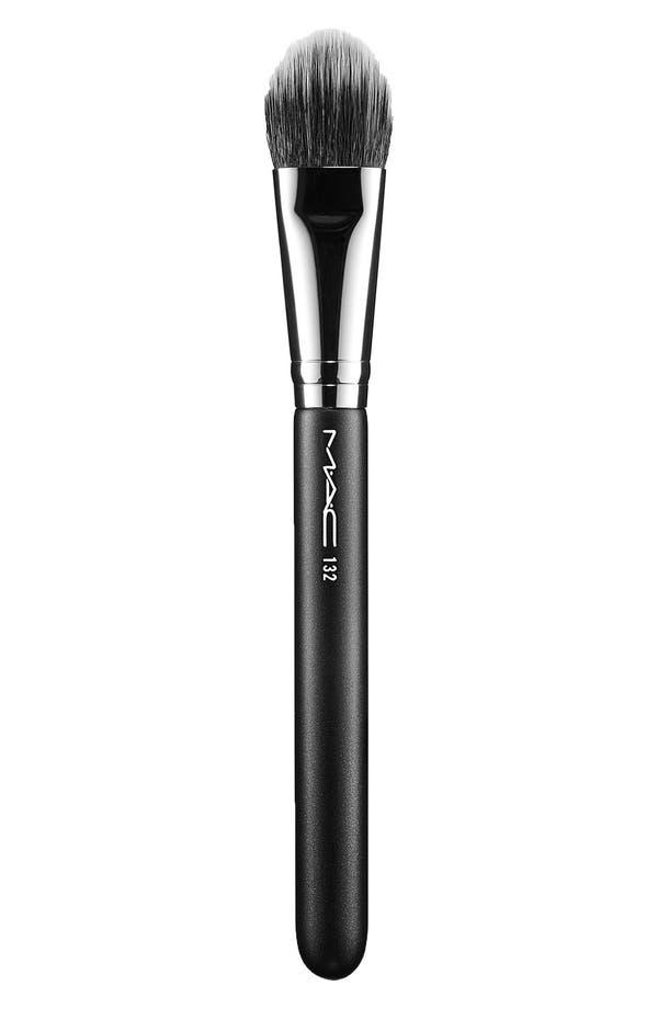 MAC 132 Duo Fibre Foundation Brush