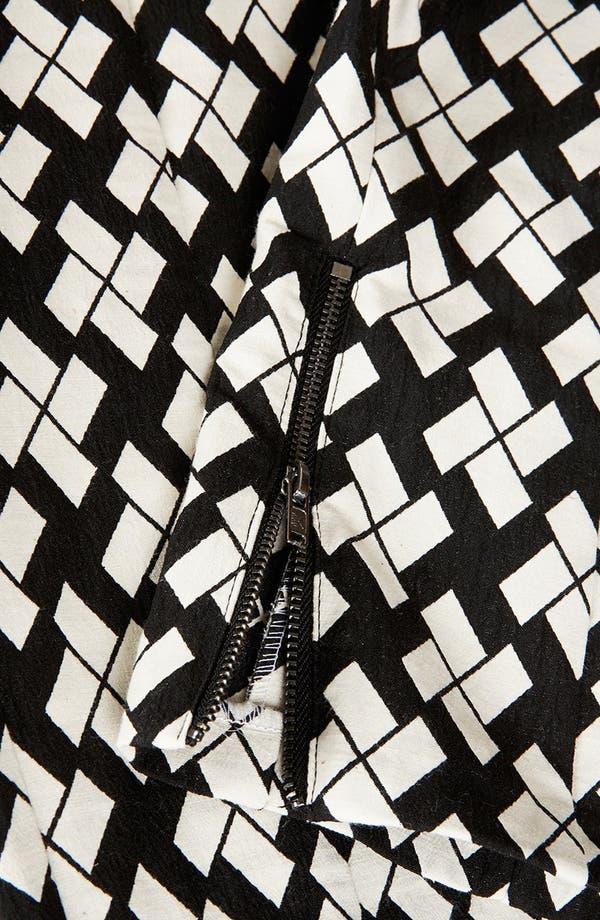 Alternate Image 4  - Topshop Pinwheel Print Tapered Pants