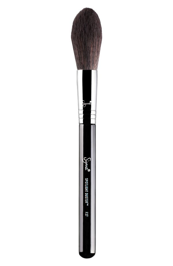 SIGMA BEAUTY F37 Spotlight Duster™ Brush