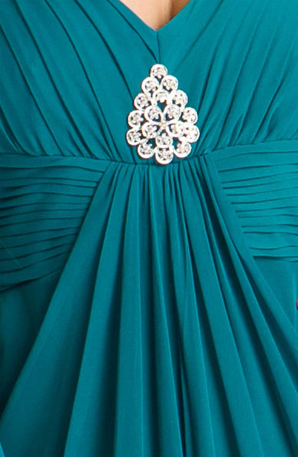 Alternate Image 3  - Alex Evenings Pleated Mesh Gown & Shawl (Plus)