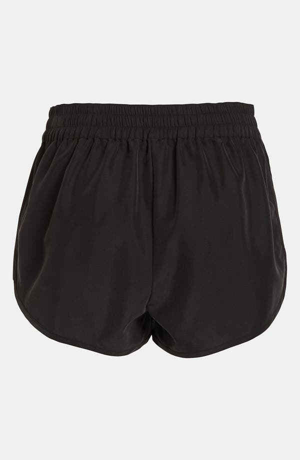 Alternate Image 3  - Leith Dolphin Hem Shorts