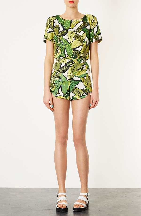 Alternate Image 4  - Topshop Banana Leaf Shorts