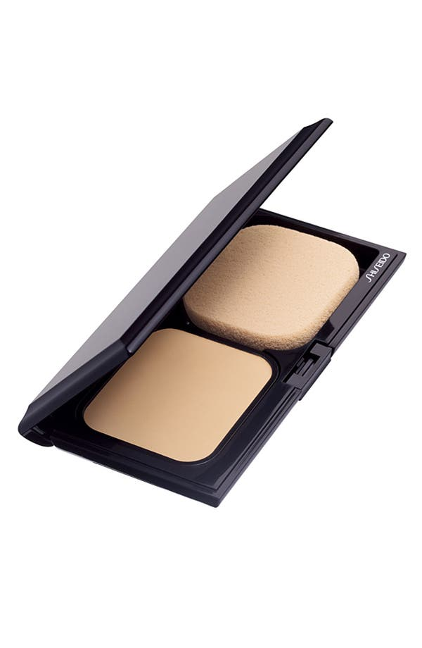 Alternate Image 1 Selected - Shiseido 'The Makeup' Sheer Matifying Compact SPF 22 (Refill)