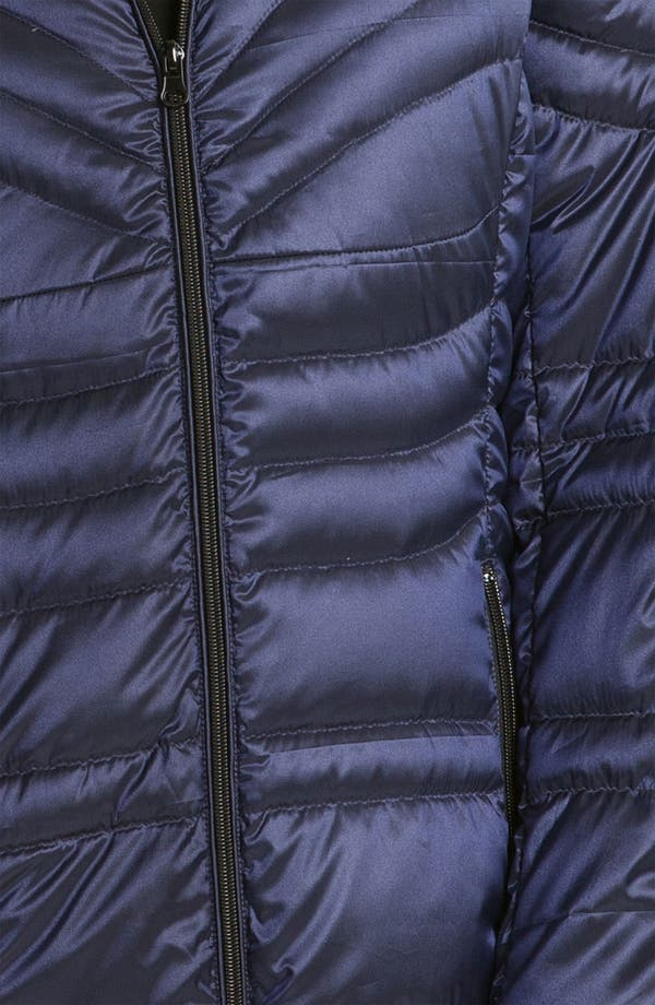 Alternate Image 3  - Bernardo Lightweight Hooded Walking Coat