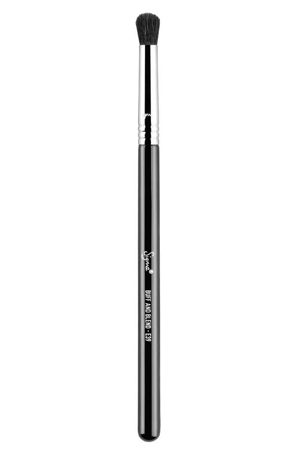 SIGMA BEAUTY E39 Buff and Blend™ Brush