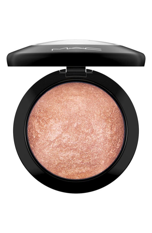 Alternate Image 1 Selected - MAC 'Mineralize' Skinfinish