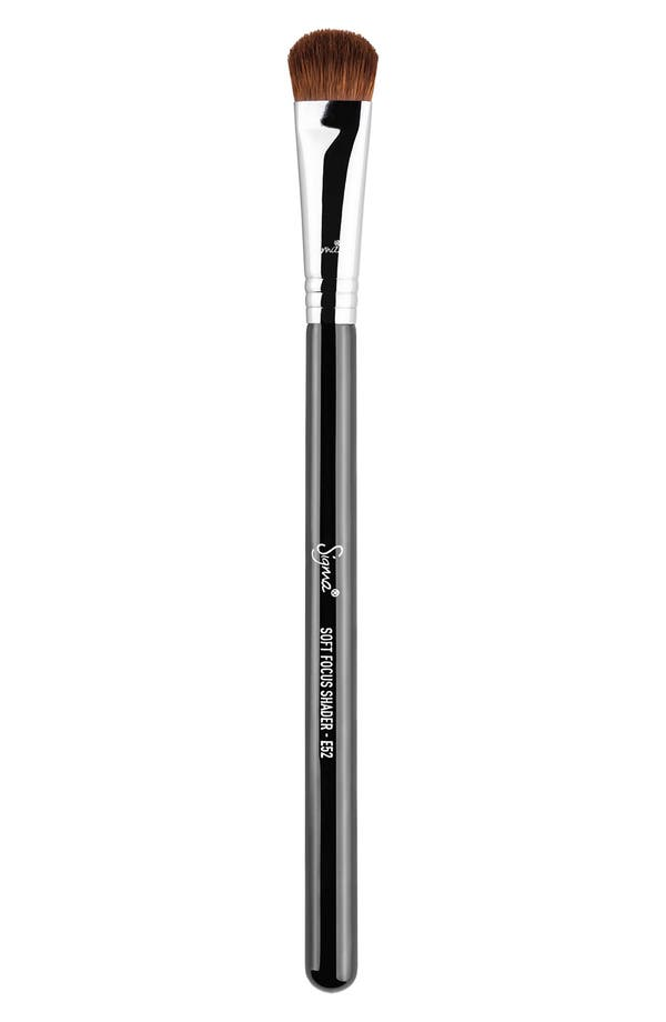 SIGMA BEAUTY E52 Soft Focus Shader™ Brush