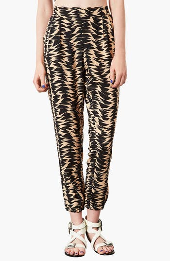 Alternate Image 1 Selected - Topshop Geometric Print Jogging Pants