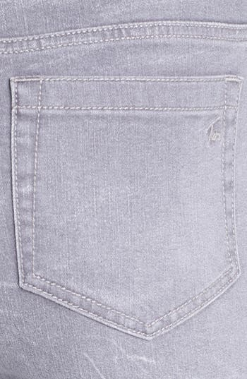 Alternate Image 5  - Two by Vince Camuto Sand Washed Skinny Jeans (Sandy Grey)