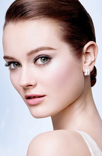 Alternate Image 2  - CHANEL VITALUMIÈRE AQUA 