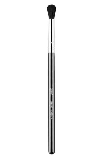 SIGMA BEAUTY E38 Diffused Crease™ Brush
