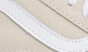 Birch/ True White swatch image