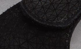 Black Wavy Leather swatch image