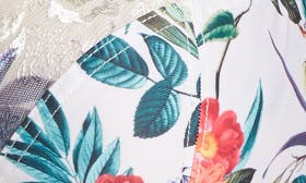 Ivory/ Floral swatch image