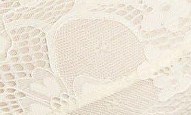 Dreamy Cream swatch image