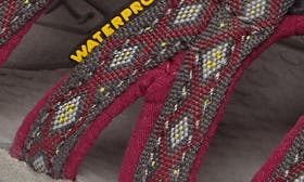 Magnet/ Sangria Fabric swatch image