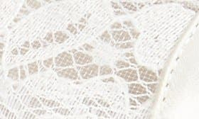 Ivory Lace/ Mesh swatch image