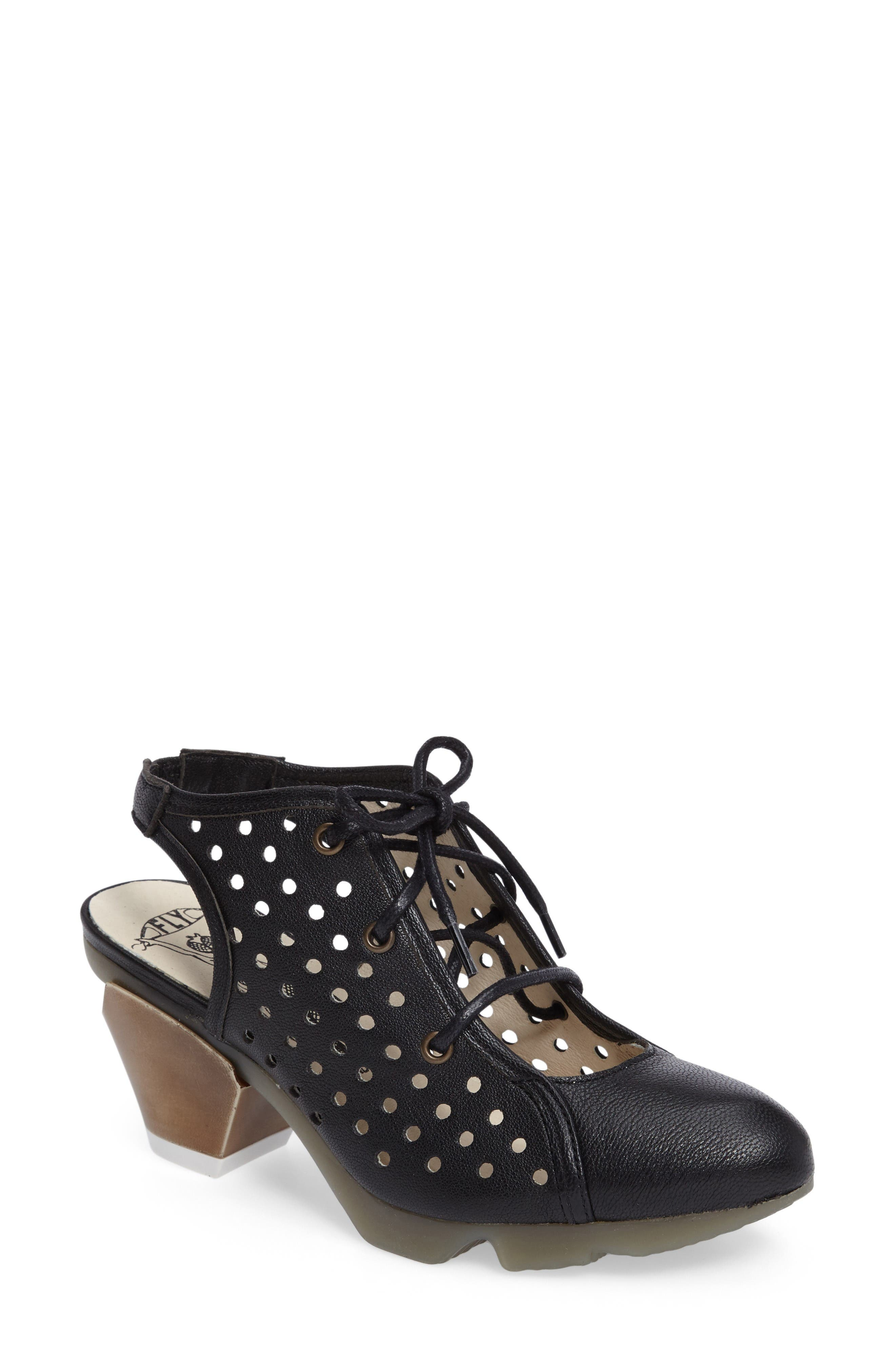 FLY LONDON Ozie Lace-Up Pump