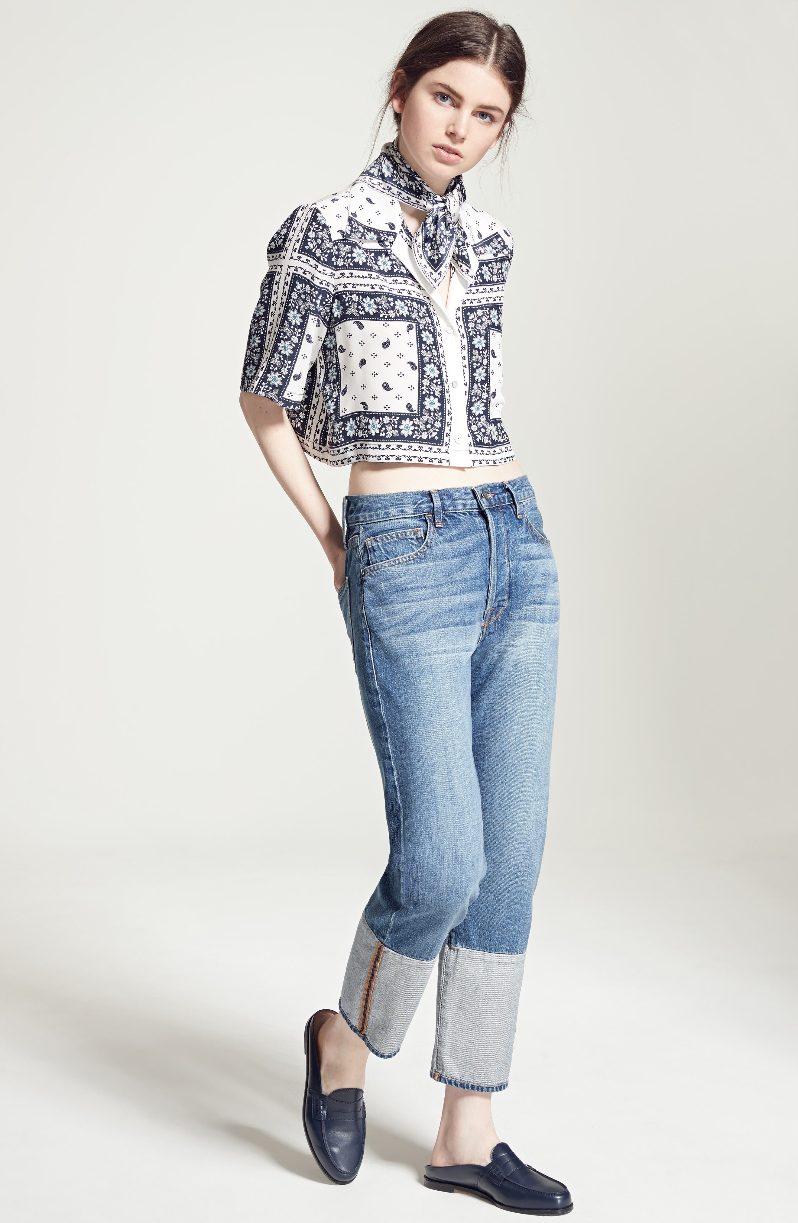Cinq à Sept Top & FRAME Jeans Outfit with Accessories