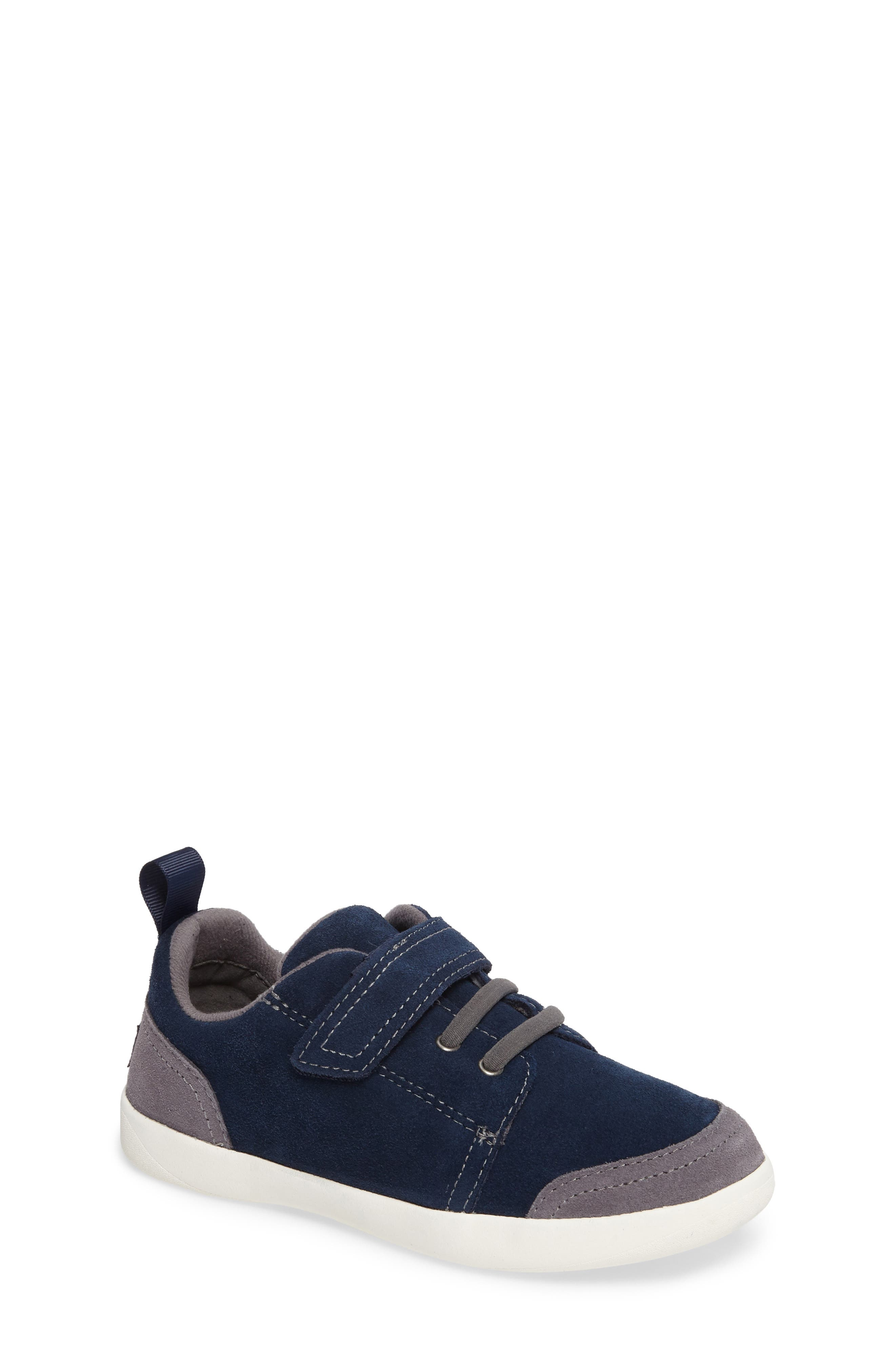 UGG® Kegan Low Top Sneaker (Walker, Toddler, Little Kid & Big Kid)