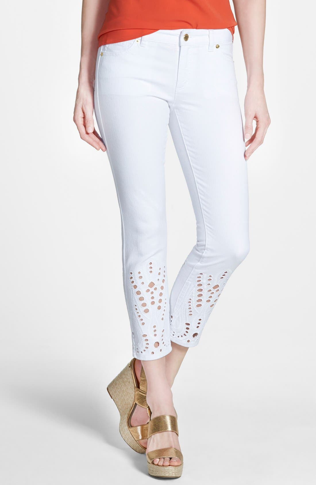 Main Image - MICHAEL Michael Kors Eyelet Embroidered Stretch Crop Skinny Jeans (White)