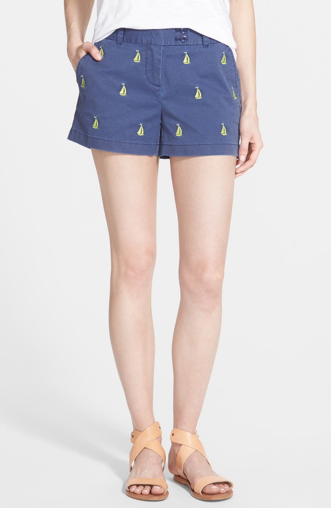 Main Image - Vineyard Vines 'Dayboat' Embroidered Shorts