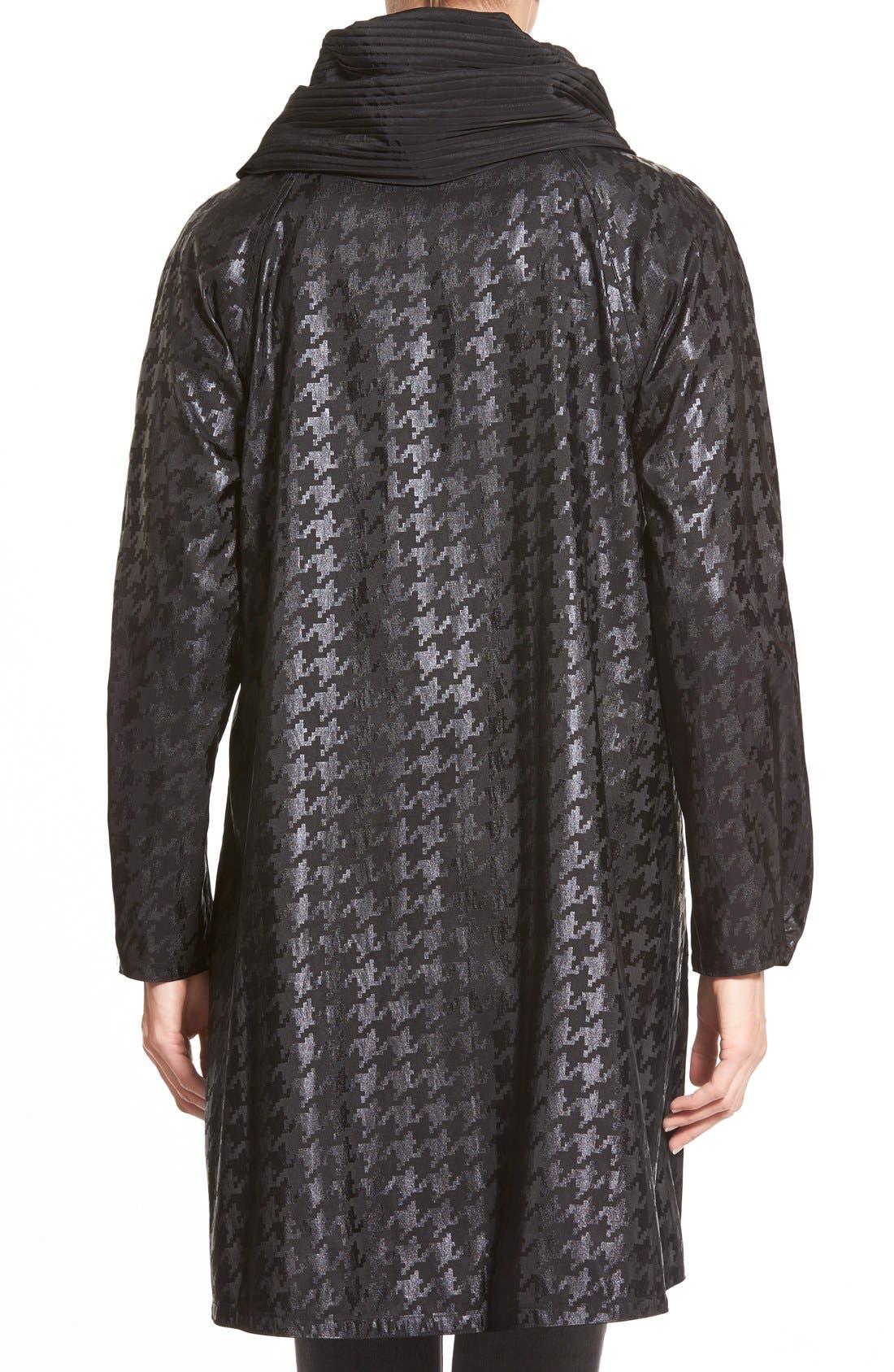 Alternate Image 4  - MycraPac DesignerWear 'ShortDonatella' Reversible Pleat Hood PackableTravel Coat