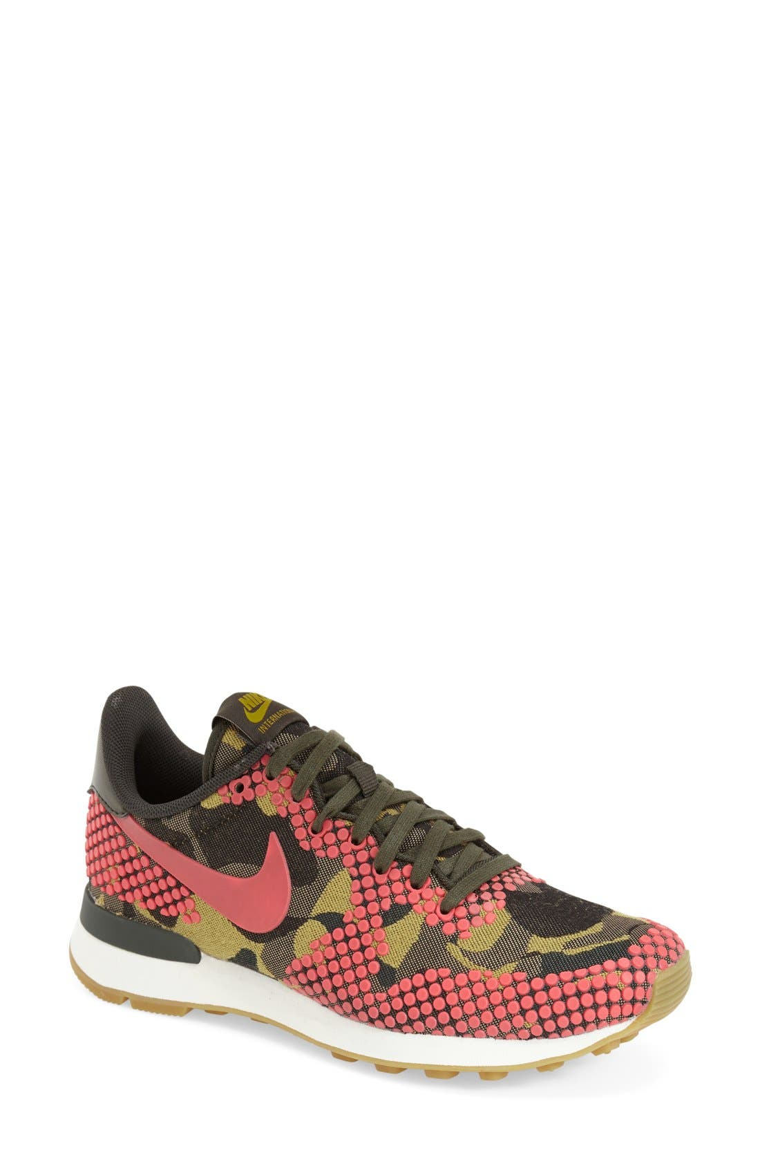 Alternate Image 1 Selected - Nike 'Internationalist' Print Sneaker (Women)
