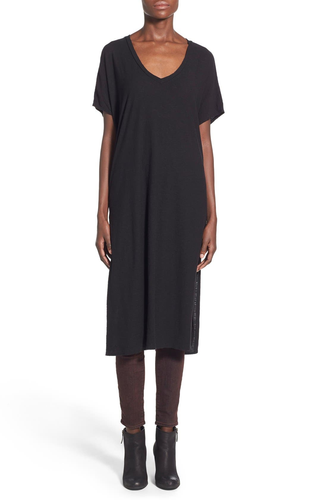 Main Image - Michelle by Comune 'Hayward' V-Neck T-Shirt Dress
