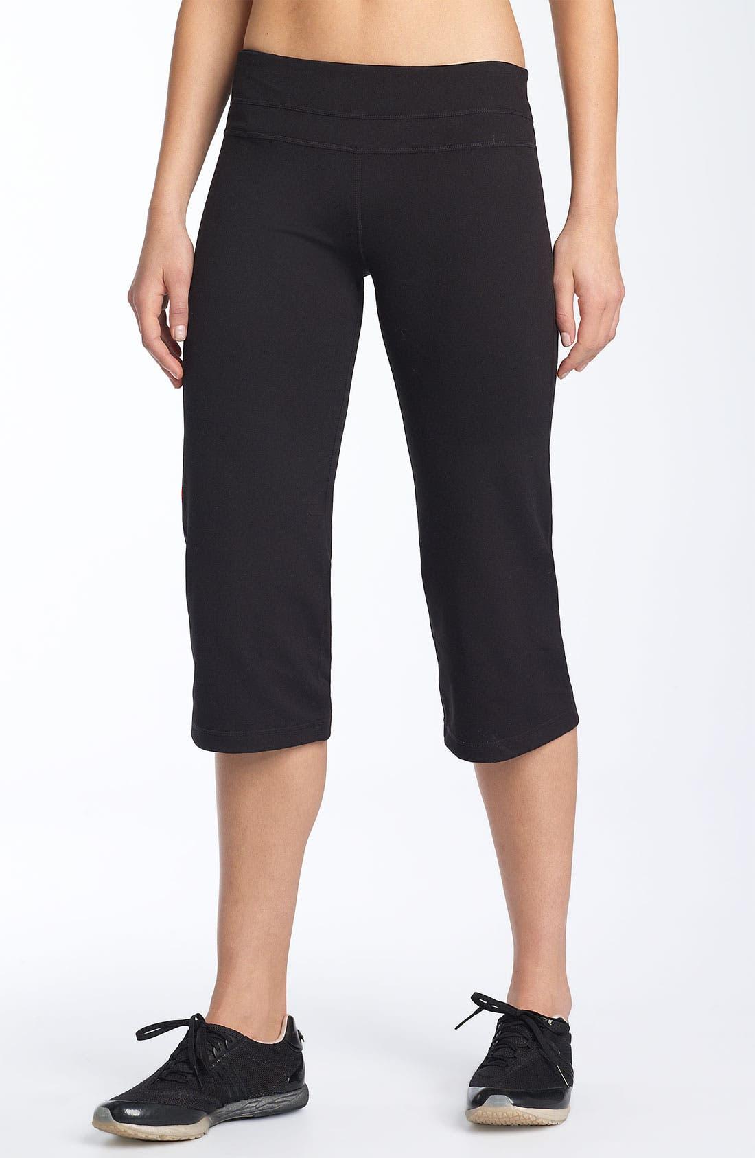 Alternate Image 1 Selected - Zella 'Booty' Capri Pants