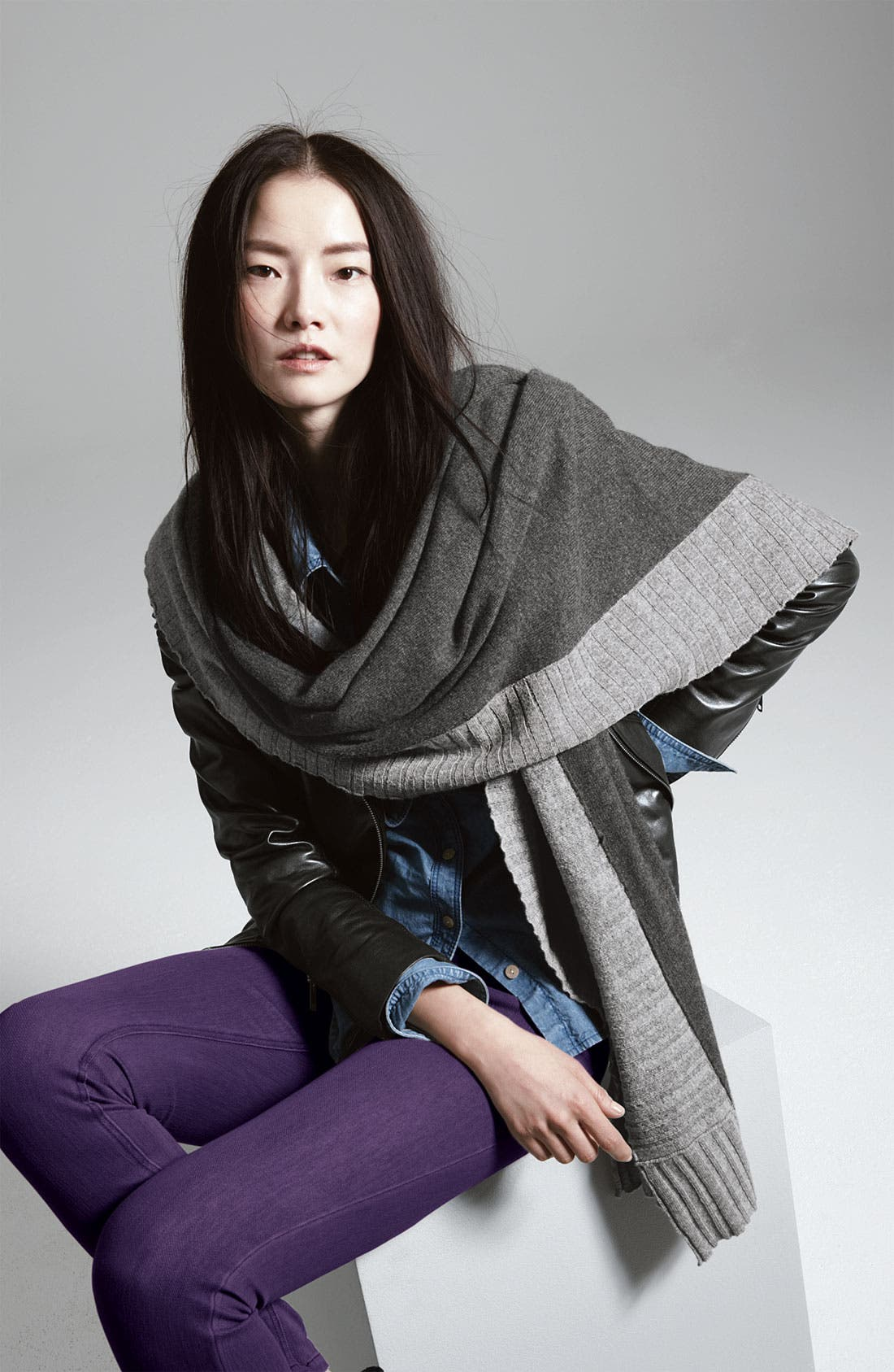 Alternate Image 3  - Nordstrom Collection Pleated Border Cashmere Wrap