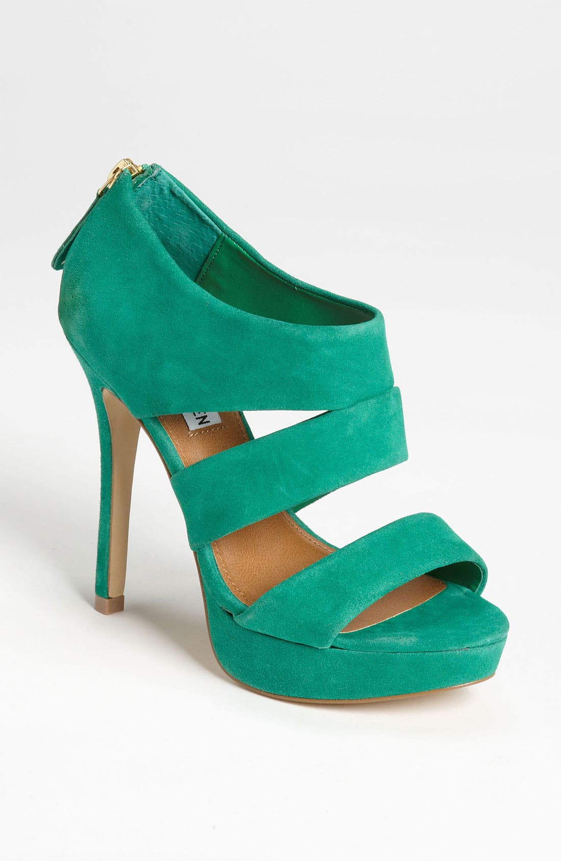 Alternate Image 1 Selected - Steve Madden 'Buzzzer' Pump