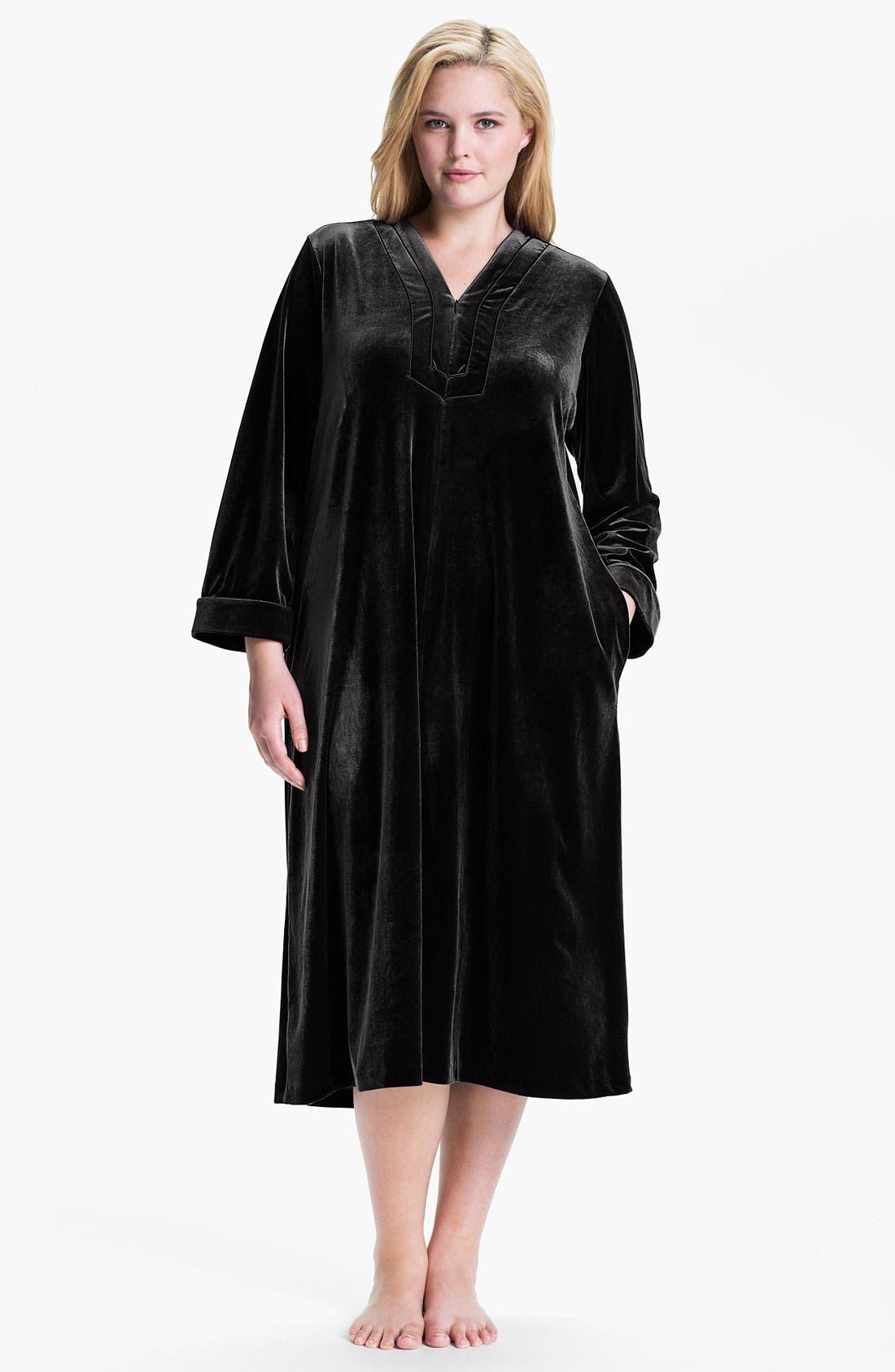 Alternate Image 1 Selected - Oscar de la Renta Sleepwear 'Zahara Nights' Robe (Plus)