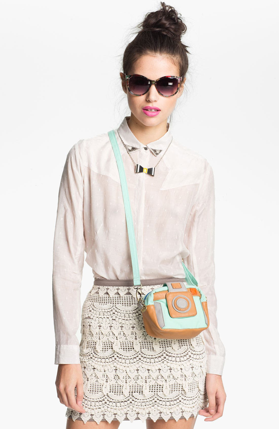 Alternate Image 5  - Nila Anthony 'Camera' Crossbody Bag