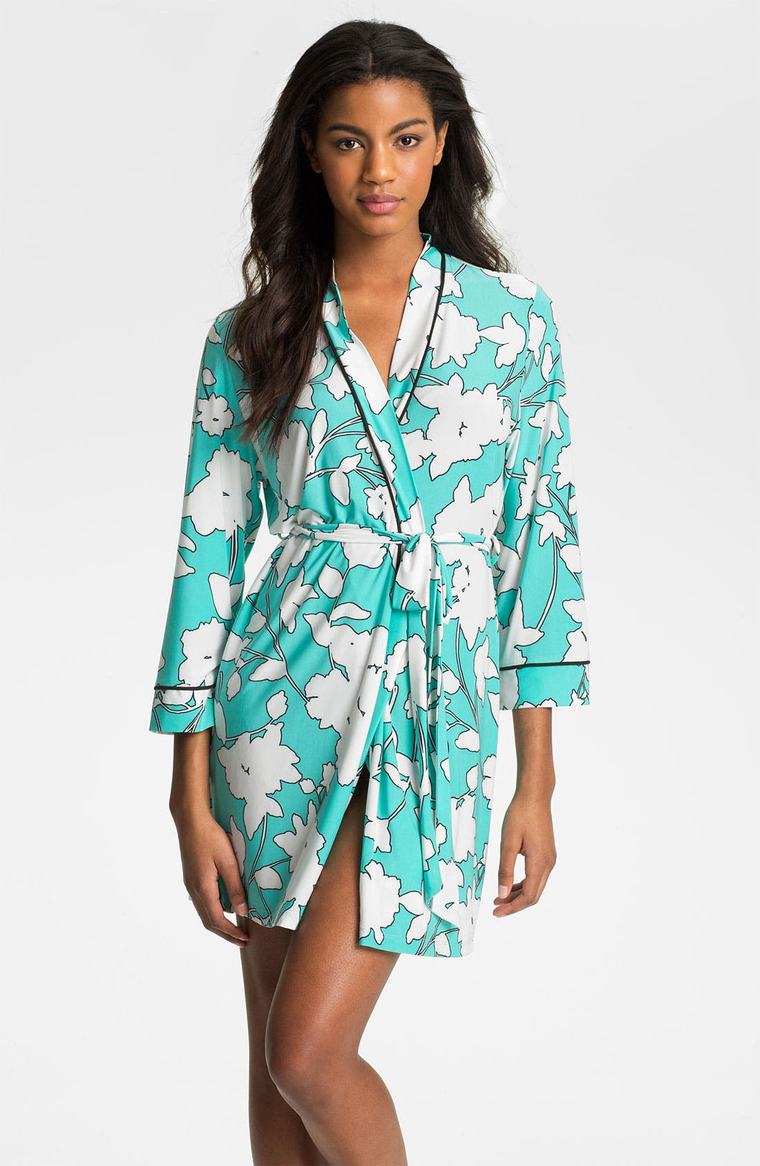 Alternate Image 1 Selected - In Bloom by Jonquil 'Silhouette' Short Robe