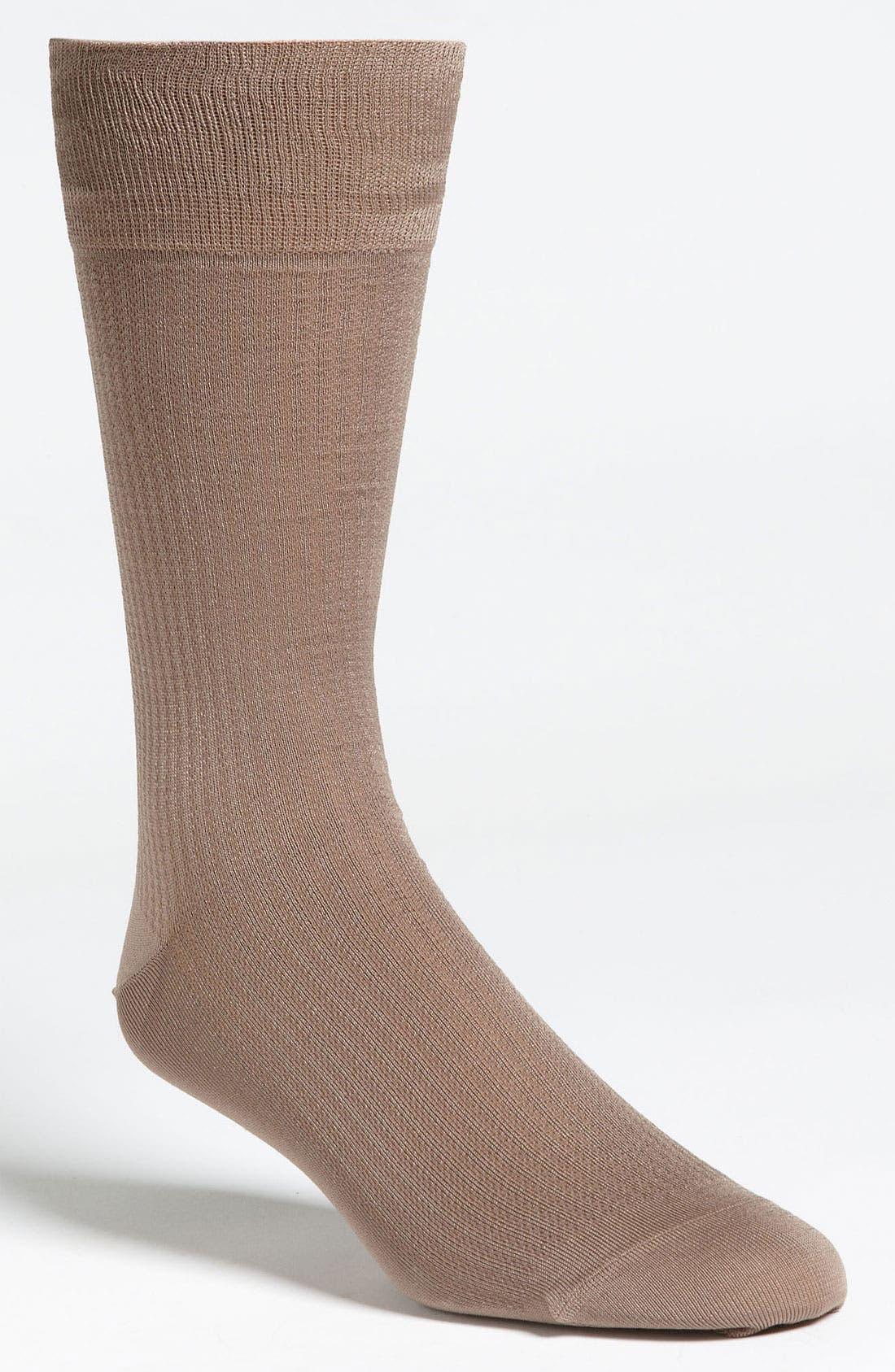 Alternate Image 1 Selected - John W. Nordstrom® Houndstooth Socks