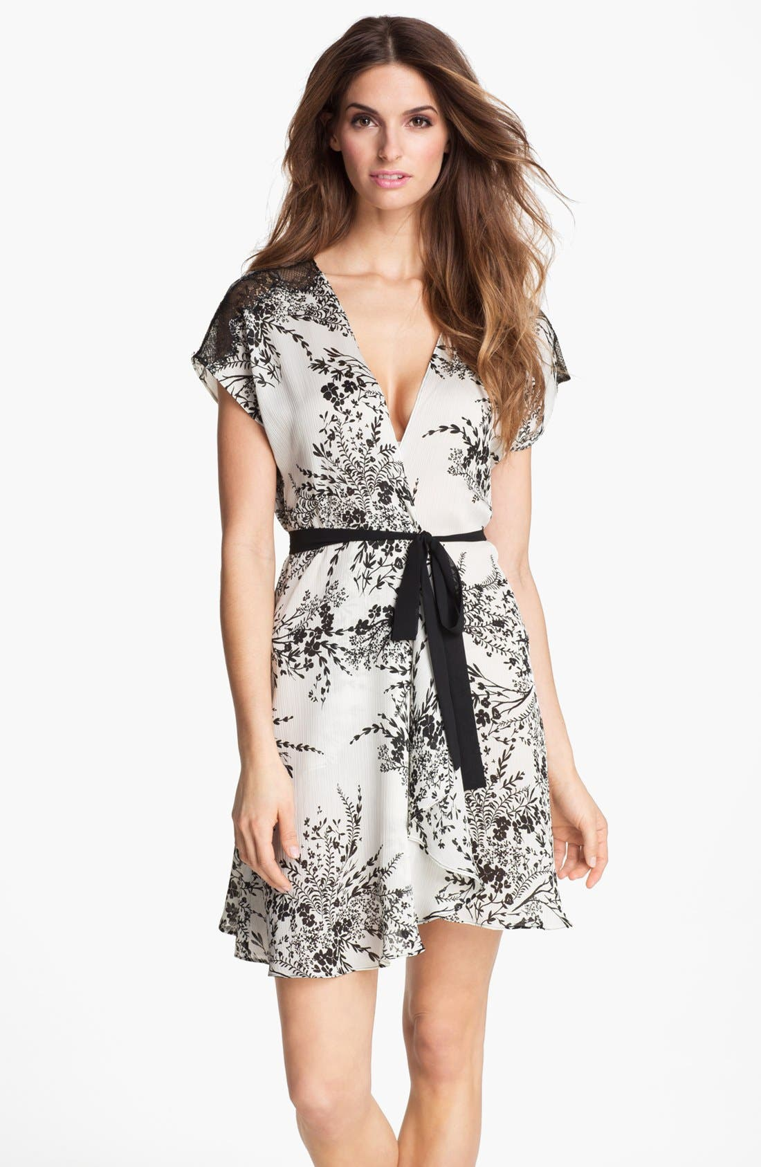 Alternate Image 1 Selected - Oscar de la Renta Sleepwear Print Georgette Robe