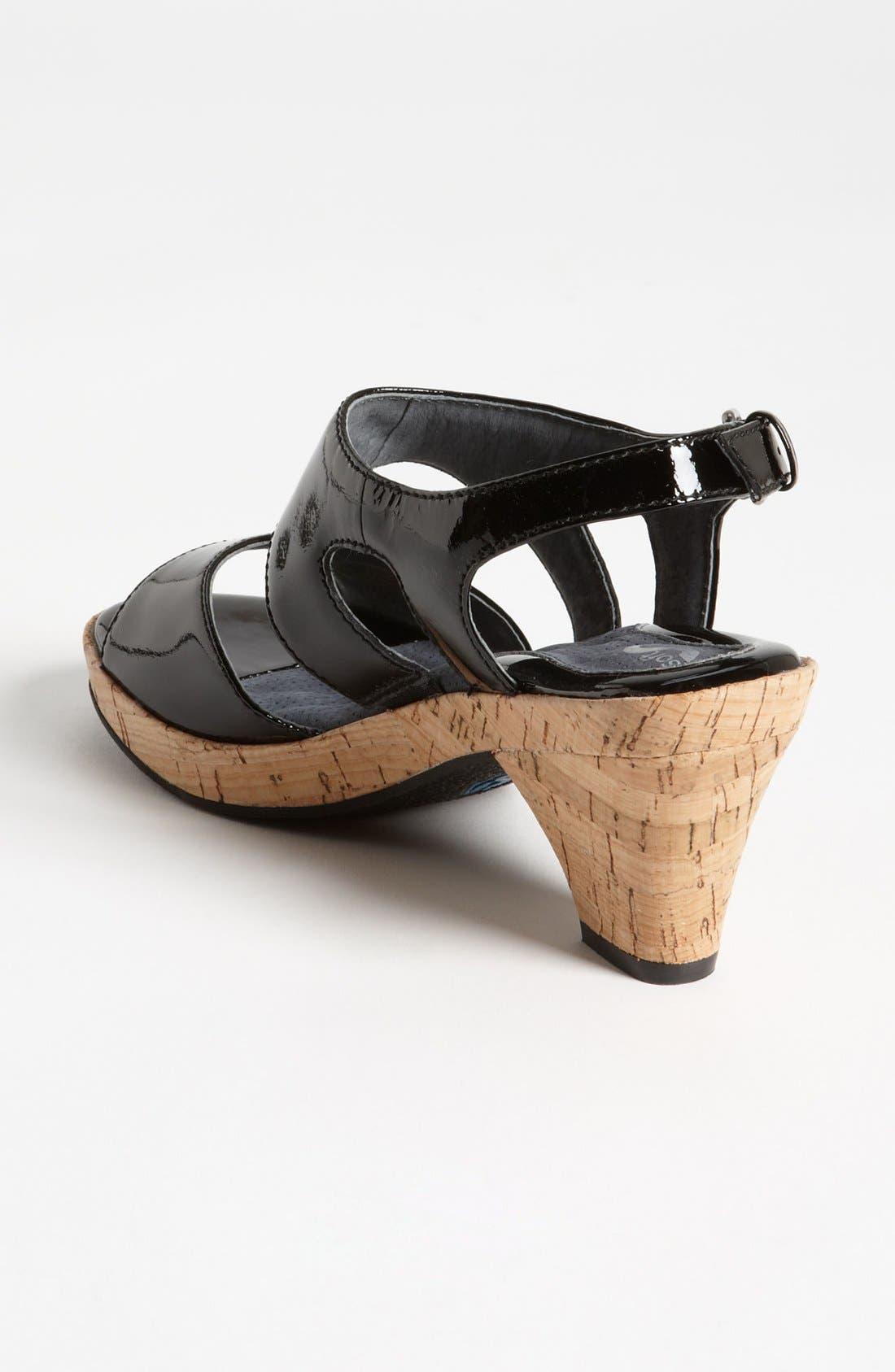 Alternate Image 2  - SoftWalk® 'Carson' Sandal