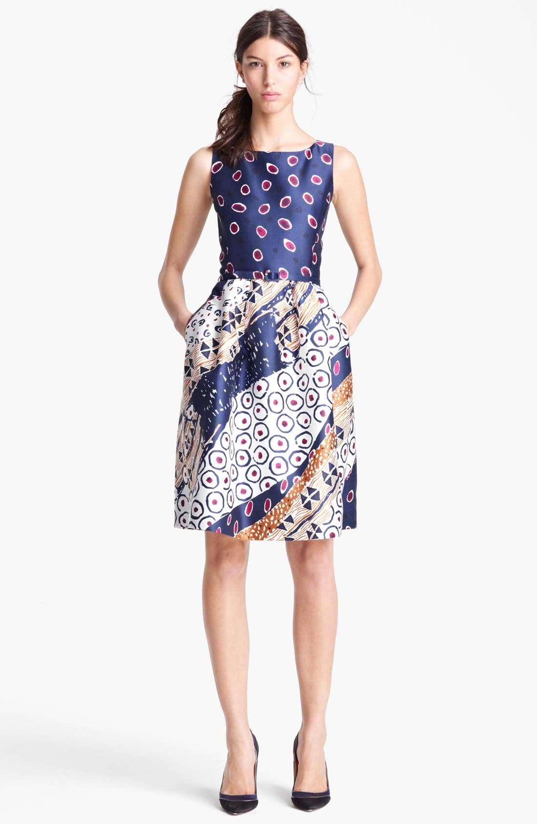 Main Image - Oscar de la Renta Belted Print Dress