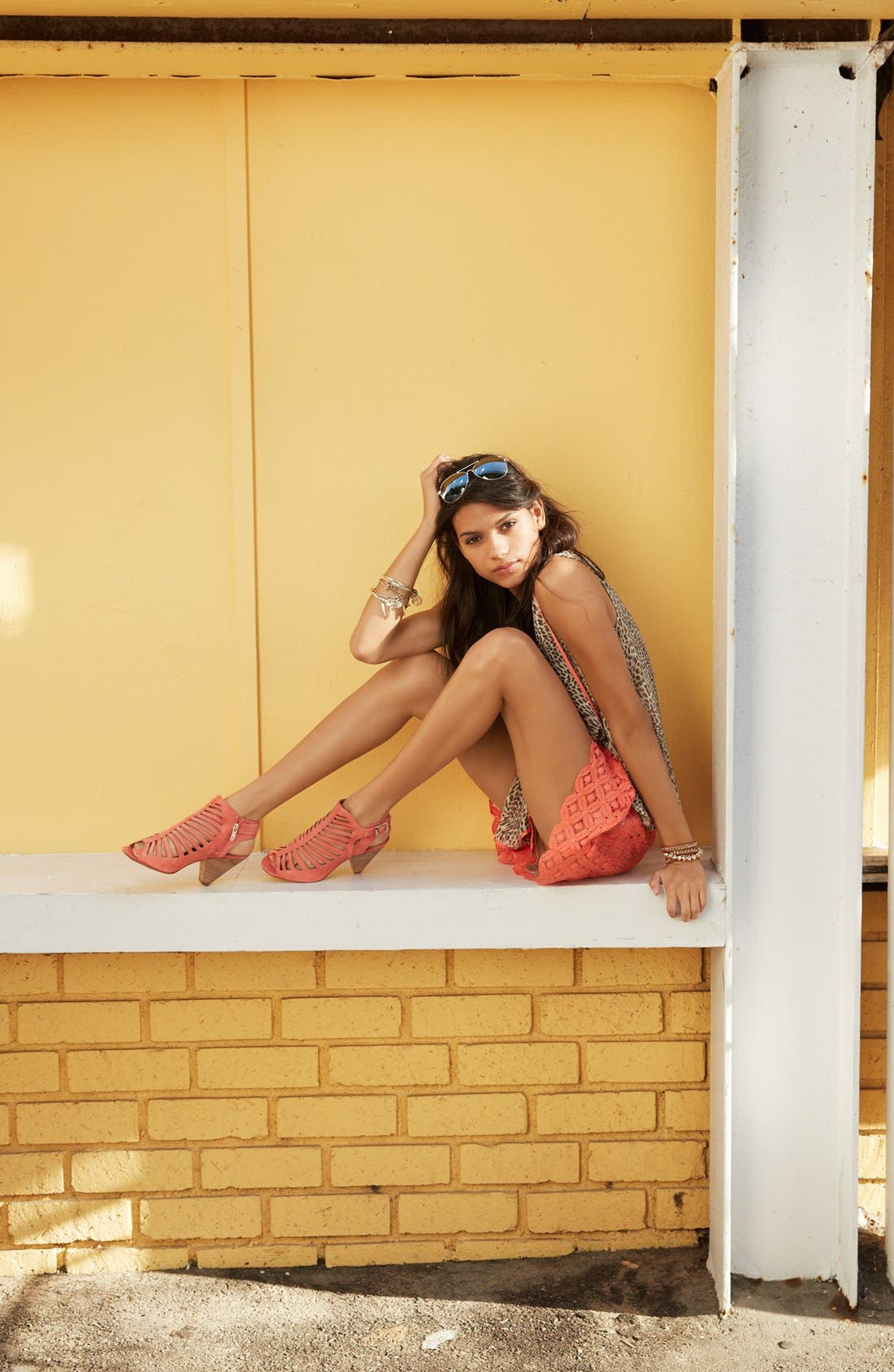Alternate Image 6  - Two by Vince Camuto Pleated Lace Shorts