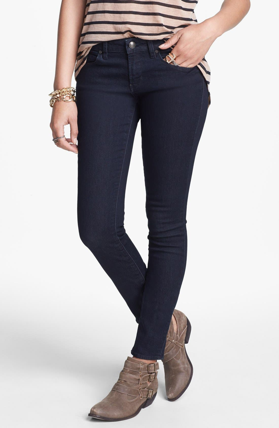 Main Image - Articles of Society 'Lana' Skinny Jeans (Dark) (Juniors)