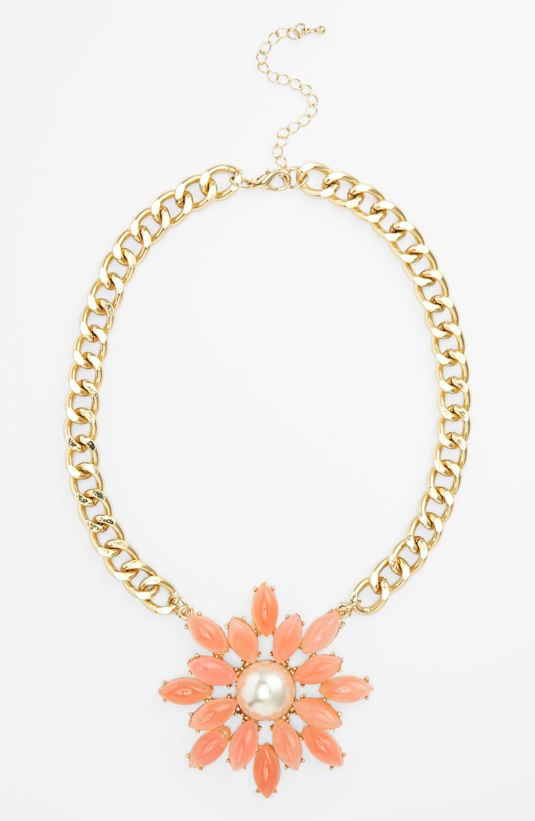 Main Image - Topshop Floral Pendant Collar Necklace