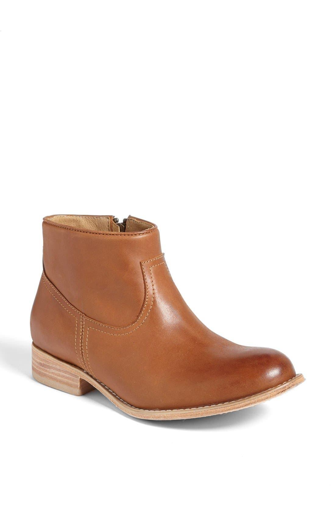 Alternate Image 1 Selected - Hinge 'Sabor' Short Boot