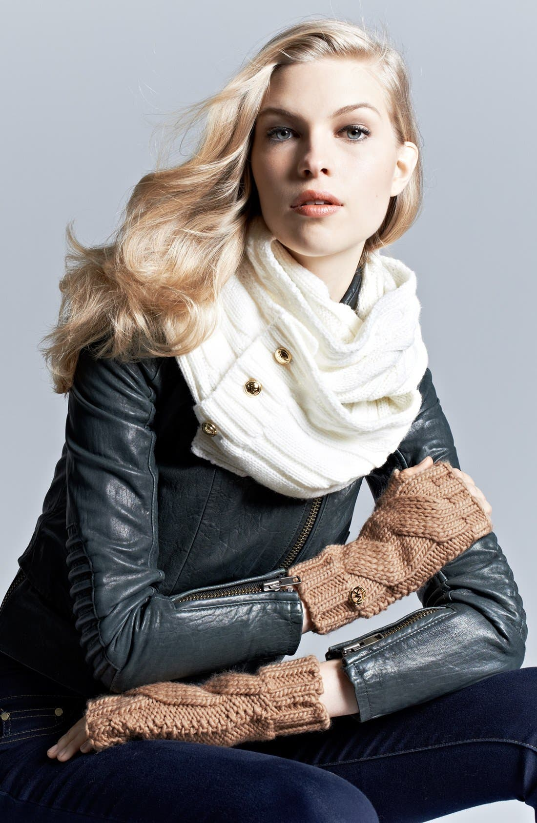 Alternate Image 3  - MICHAEL Michael Kors Cable Knit Arm Warmers