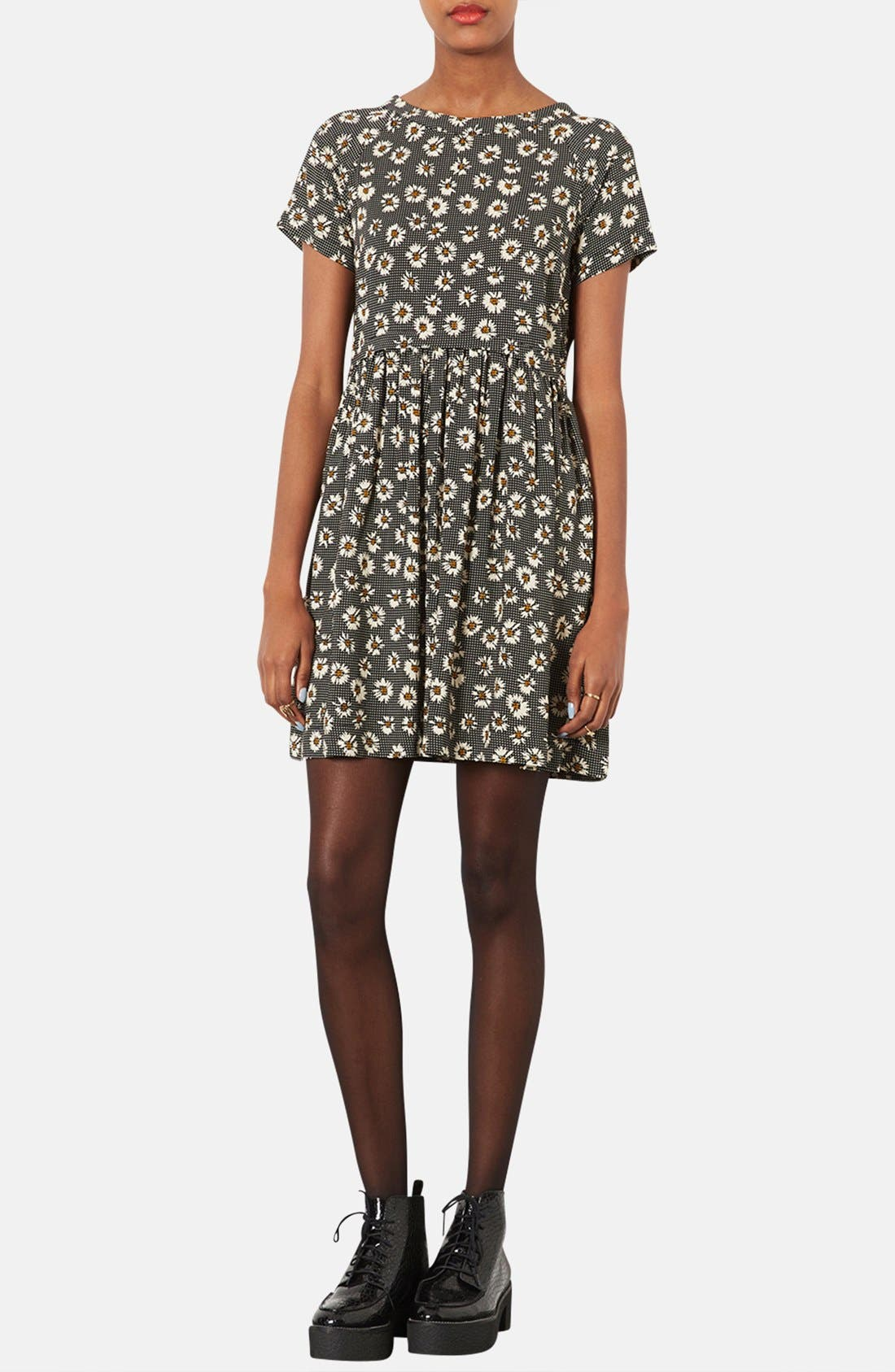 Alternate Image 1 Selected - Topshop Daisy Pattern Flared Dress